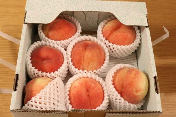 我が家に届いた桃